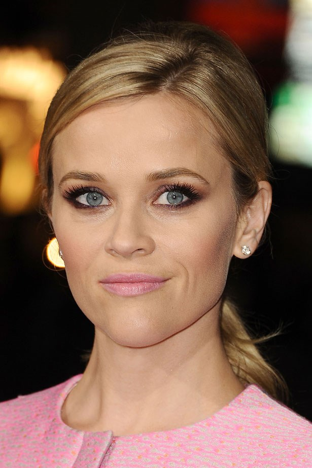 <p>A pastel pink lip brightens up a smoky eye. </p> <em>Reese Witherspoon</em>