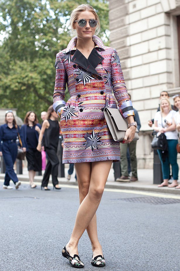 <strong>The street style star: Olivia Palermo <br></strong> Wearing: Matthew Williamson coat, Dior sunglasses and Smythson accessories<BR> Where: London Fashion Week SS15<BR>