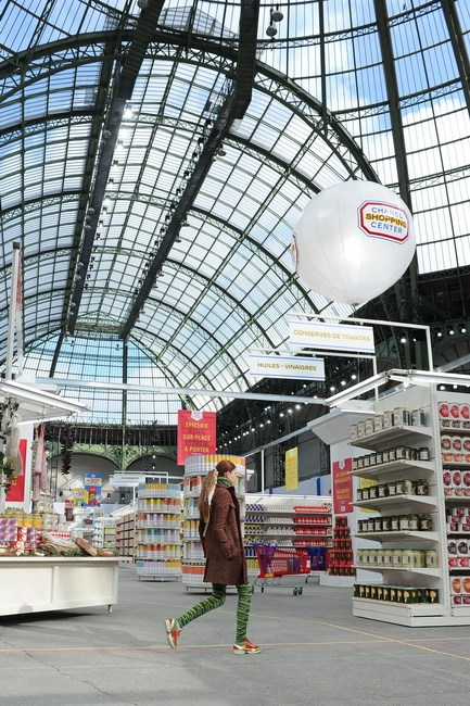 <strong>Supermarket Sweep</strong> <br>Just when we thought Karl Lagerfeld had thought of (and done) everything, he goes and builds a Chanel supermarket in the middle of the Grand Palais. Understandably, fashion industry riot ensues.<br/>
