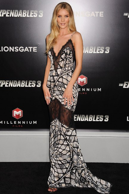 <strong>Rosie Huntington-Whiteley</strong><br><br> <strong>LAID-BACK-LUXE:</strong> In a throw-on-and-go Emilio Pucci slip.