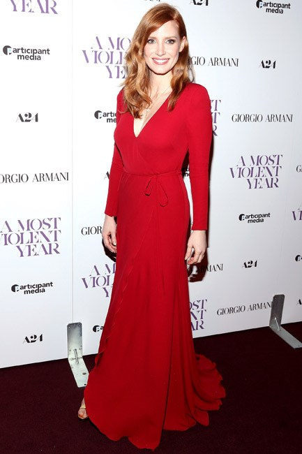 <strong>Jessica Chastain </strong><br><br> <strong>MODERN: </strong>A contemporary siren in Armani.