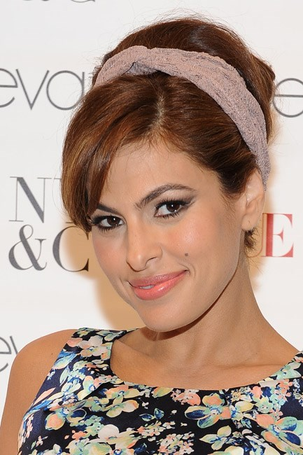 <strong>Muse:  Eva Mendes</strong><br> Always sultry and sometimes a little bit sixties, here's a gal with a pin-up pout.
