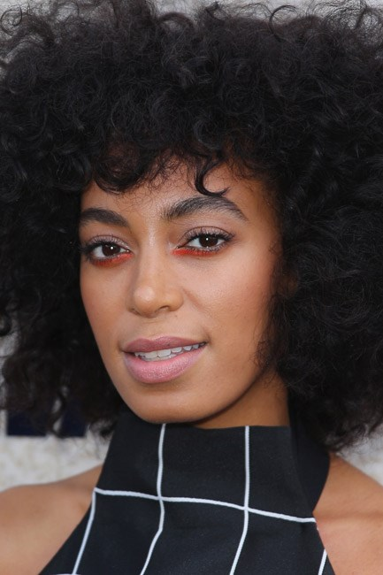 Solange Knowles' paired-back pastel pink made her eye-catching liner pop.