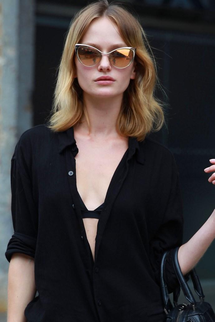 Model Annabella Barber