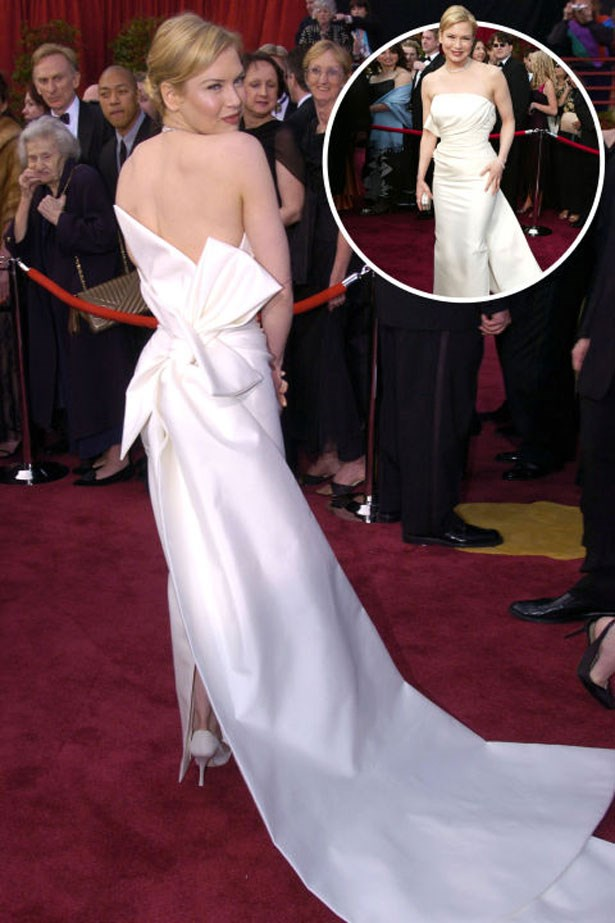 <p>RENÉE ZELLWEGER</p> <p>In Carolina Herrera at the 2004 Academy Awards</p>