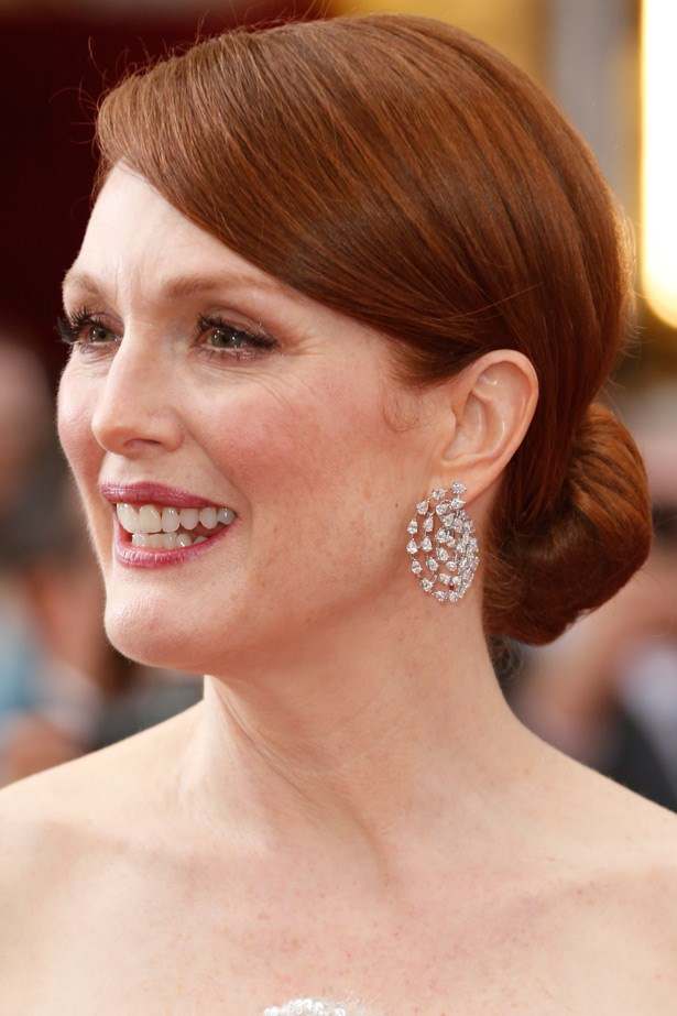 """Julianne Moore wore these incredible diamond Chopard earrings, which paired beautifully with her sublime Chanel sequinned gown. See her full look <a href=""""http://www.elle.com.au/news/celebrity-news/2015/2/best-in-show-all-of-the-looks-from-the-oscars-red-carpet/best-in-show-all-of-the-looks-from-the-oscars-red-carpet-image-12/"""">here.</a>"""