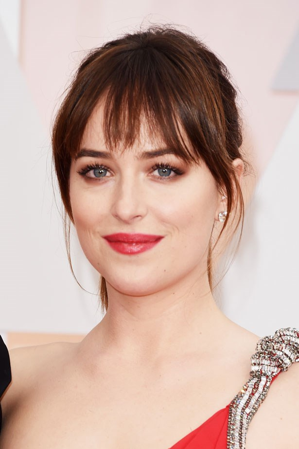 <p><strong>The Red Lip</strong></p> Dakota Johnson's makeup was Chanel.