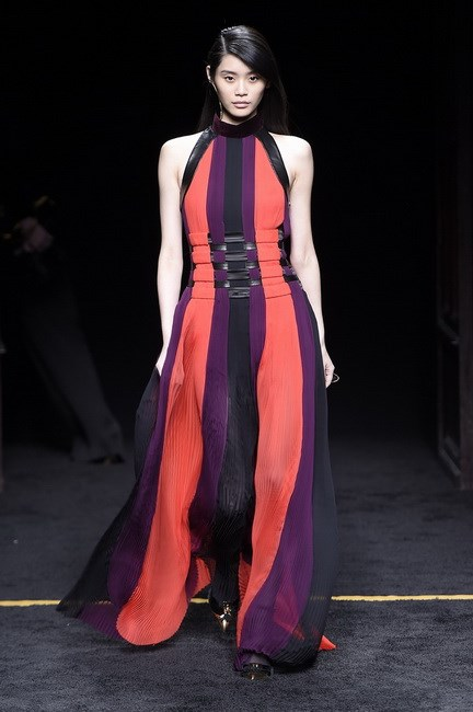 Ming Xi, the second last model to close the show