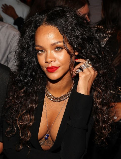Embrace your natural texture, like Rihanna