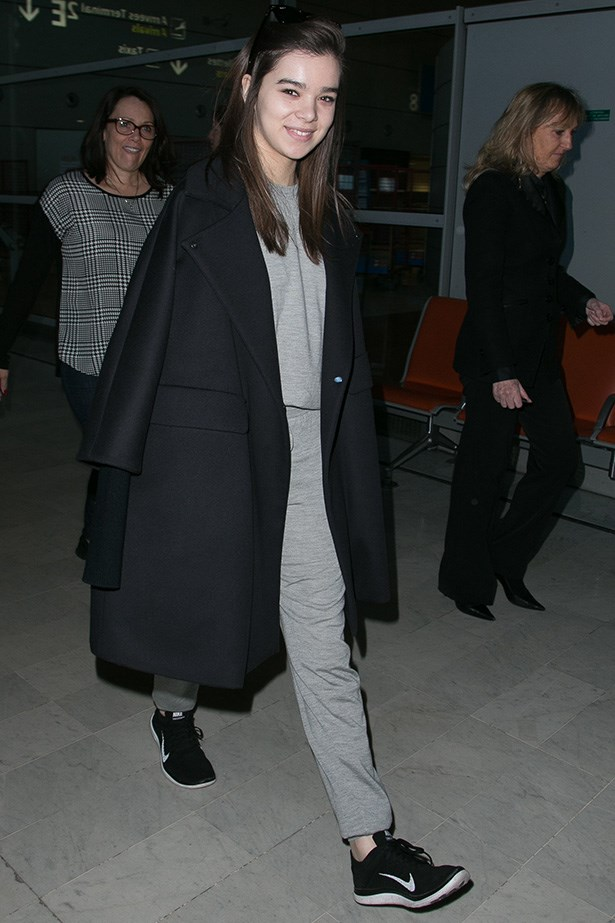 <em>Pitch Perfect 2</em> star Hailee Steinfeld brings back sport-luxe in the comfiest airport look we've seen yet!