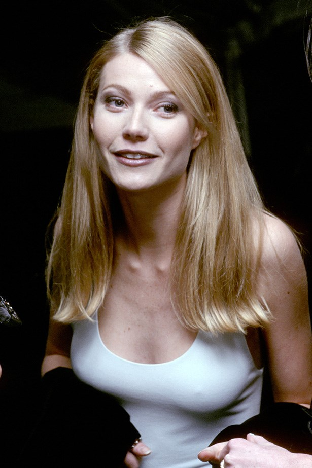 <strong>1995</strong <em><br>'Haute Couture'</em> <br>Gwyneth Paltrow