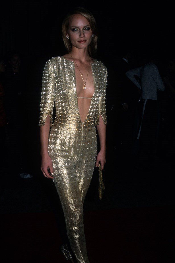 <strong>1999</strong <em><br>'Rock Style'</em> <br>Amber Valletta