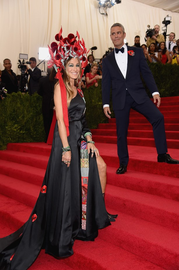 Sarah Jessica Parker in a Philip Treacy headdress and H&M dress