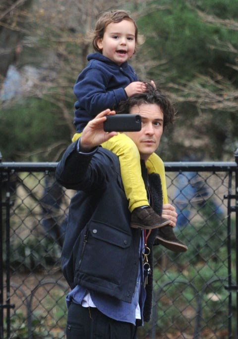 <strong>ORLANDO BLOOM WITH HIS SON, FLYNN</strong>