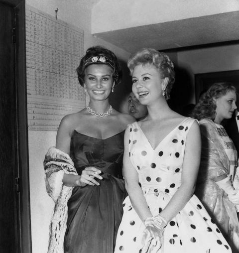 <strong>SOPHIA LOREN AND MITZI GAYNOR</strong> <BR> In 1958.