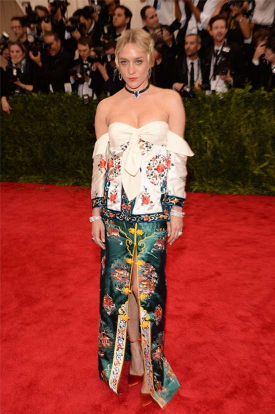 <strong>Chloë Sevigny</strong> waering J.W. Anderson at the 2015 Met Gala