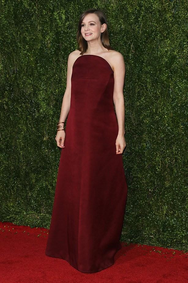 Carey Mulligan looking gorgeous in structured maroon Balenciaga.