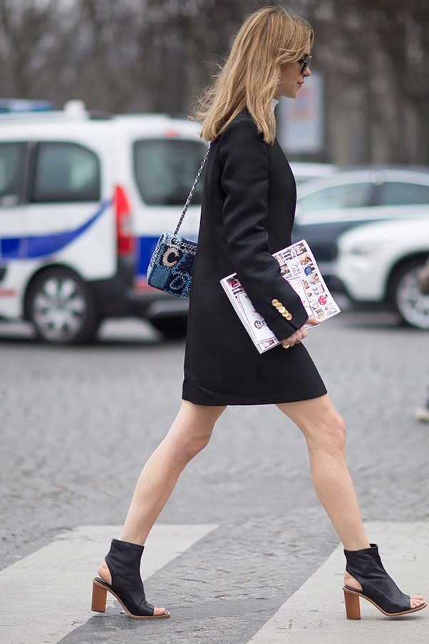 How to wear mid-height heels