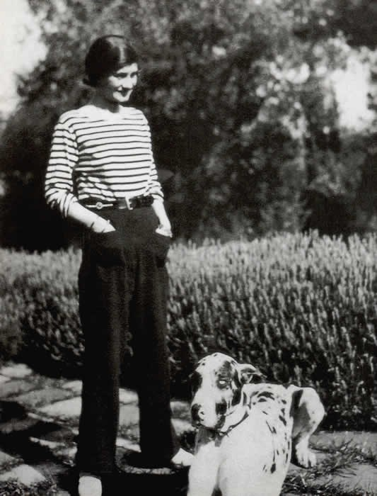 Coco Chanel popularised stripes in 1917. V chic, non?