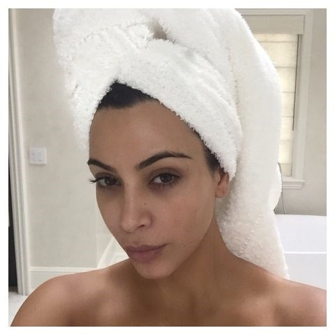 "<strong>KIM KARDASHIAN</strong> <BR> Good morning... <BR> —<a href=""https://instagram.com/p/2eB1rnOS1H/"">@kimkardashian</a>"
