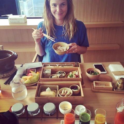 "<strong>DREW BARRYMORE</strong> <BR> Good morning Tokyo#japanesebreakfast #tokyofoodtour#amantokyo <BR> —<a href=""https://instagram.com/p/0RjmTEtRjY/"">@drewbarrymore</a>"