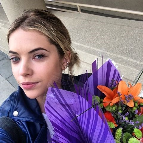 "<strong>ASHLEY BENSON</strong> <BR> Bringing flowers to birthday girl @lisah76 <BR> —<a href=""https://instagram.com/p/vRlHDahEKw/"">@itsashbenzo</a>"
