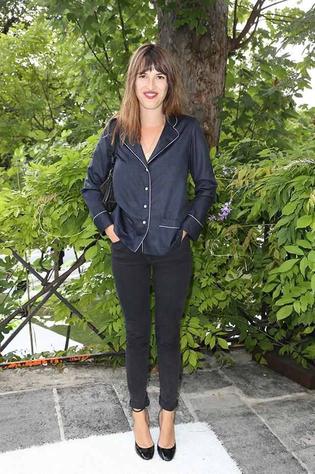 french blogger jeanne damas in roger vivier fall campaign 2015 elle. Black Bedroom Furniture Sets. Home Design Ideas