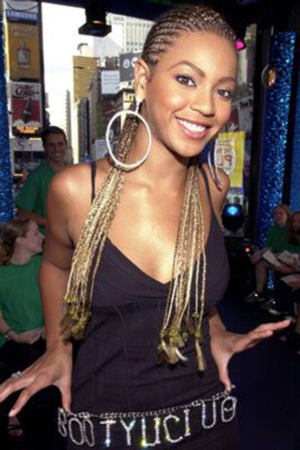 """<strong>Beyonce</strong> <br> <br> Circa <a href=""""https://www.youtube.com/watch?v=sQgd6MccwZc""""><a href=""""null""""><em>Say My Name</em></a></a>"""