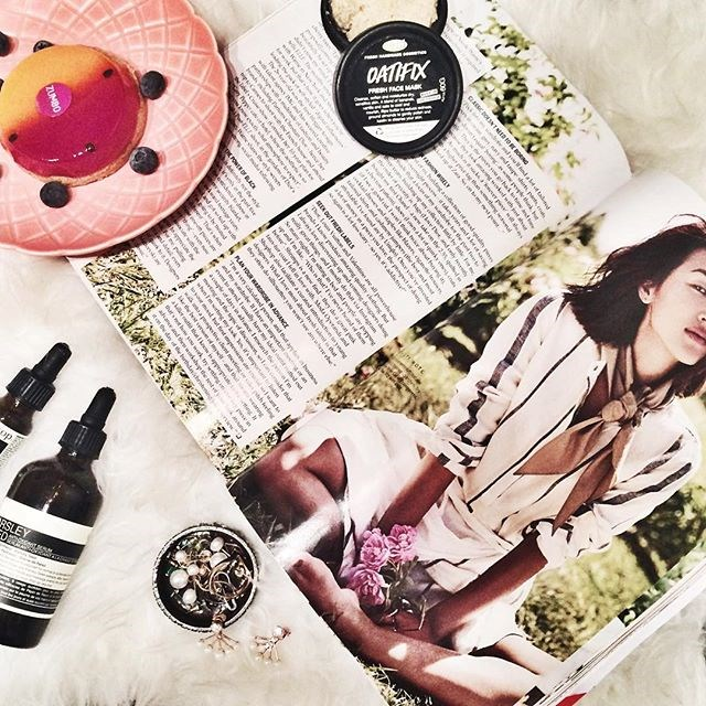 @larakate_: P a m p e r N i g h t s | face mask, passionfruit tart and reading about my favourite fashion blogger in my Elle Magazine #feelsgood #pampering #lush #facemask #aesop #ellemagazine #garypeppergirl #zumbo #fashionblogger #blogger #NicoleWarnexElleCover