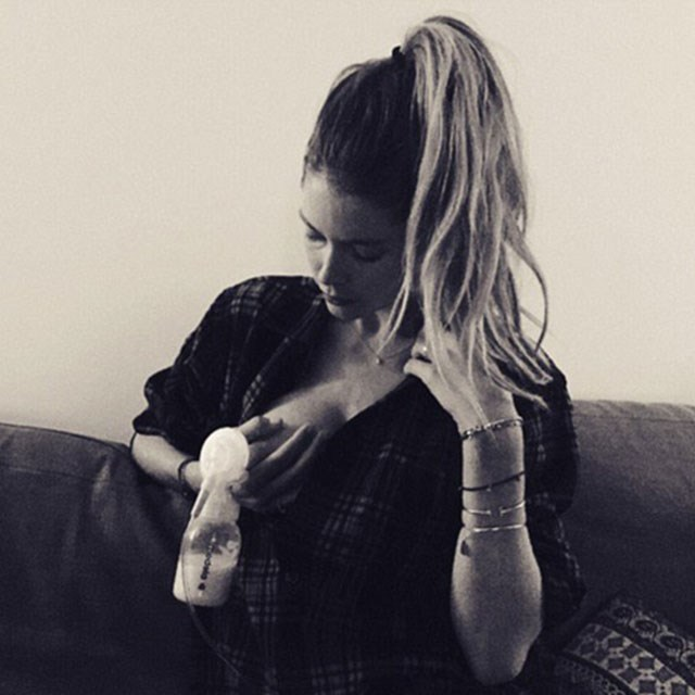 <p><strong>Doutzen Kroes</strong> <p>Daily routine! I'm promoting breastfeeding. It's the best for your baby when possible! #breastfeeding #breastpump #breastfeedingmom #breastfeedingawareness