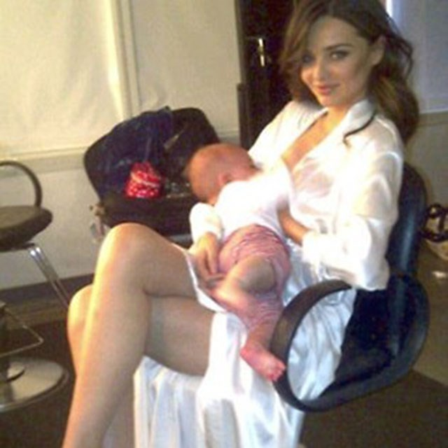 <p><strong>Miranda Kerr</strong> <p>Another day in the office xxx