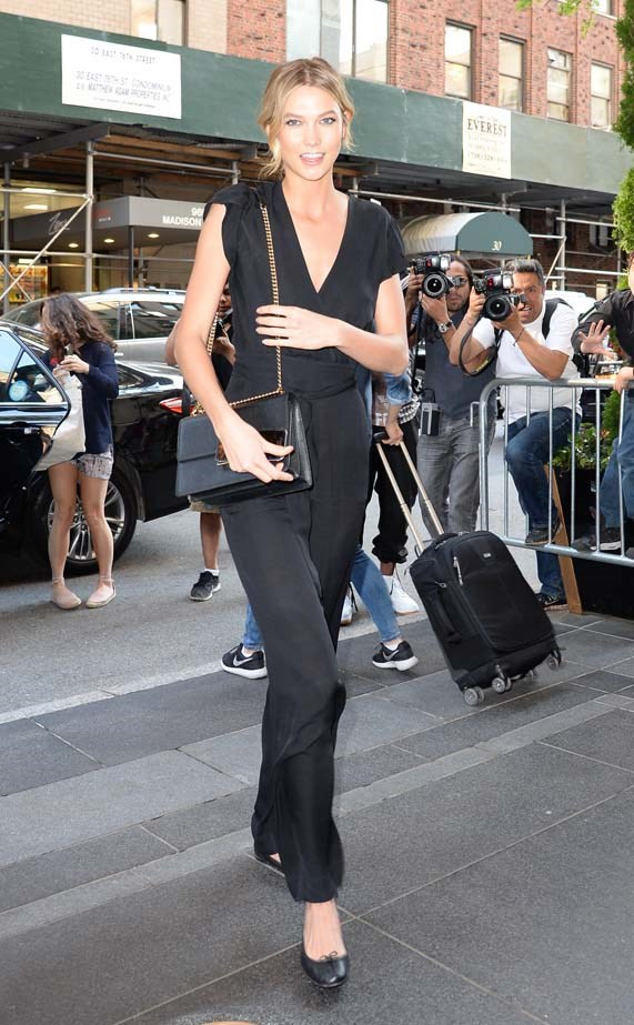 Karlie proves that <em>it's okay</em> to wear flats the majority of the time.