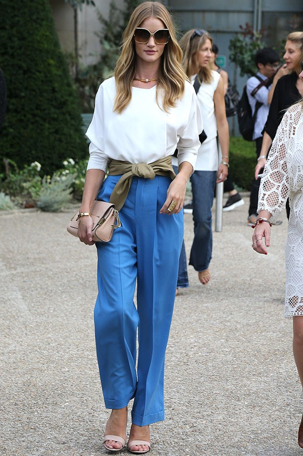 Rosie Huntington-Whiteley nails this 70s look while still looking refined and polished. Kudos.