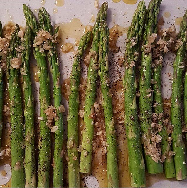 @chrissyteigen About to roast onion and garlic oil on asparagus. Trying to get myself to like this vile weed