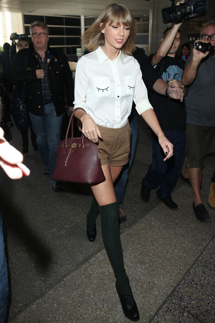 TAYLOR SWIFT'S CHEEKY CHINOS
