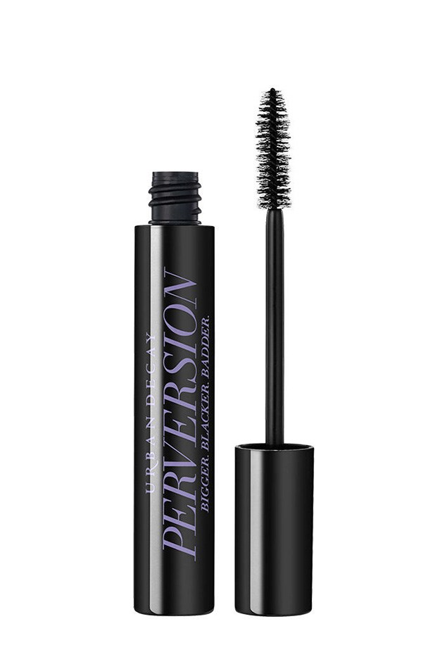"<strong>You want:</strong> Full and fluffy lashes <br> <br> <strong>Go for: </strong>An over-sized brush <br> <br> <em>A classic, big and bushy brush will give dramatic volume to sparse lashes, for a fluttery effect in fewer coats. </em> <br> <br> <strong>Pro tip:</strong> Fat brushes aren't the best for definition, but wiggling them back and forth as you apply will help to separate and lengthen each lash. <br> <br> <a href=""http://mecca.com.au/urban-decay/perversion-mascara/V-021144.html"">Try: Perversion Mascara, Urban Decay</a>"
