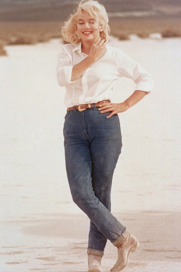 Marilyn Monroe s white shirt and high-waisted jeans in The Misfits has long been a style reference for, um, everyone.