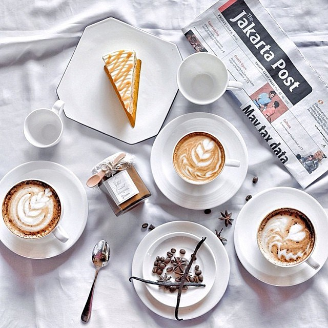 <strong>Leave the foam fern.</strong> If you're photographing your morning coffee (or your afternoon coffee, no judgement), make sure you do it before you drink it and destroy your pretty foam design. <br> <br> via @yerdiansha
