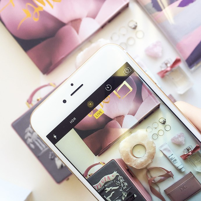 <strong>Go live.</strong> The brand new iPhone6S boasts a live function feature meaning that you can send your friends, family and insta fans a live shot of you arranging, primping, priming and snapping your flatlay. <br> <br> via the ELLE team