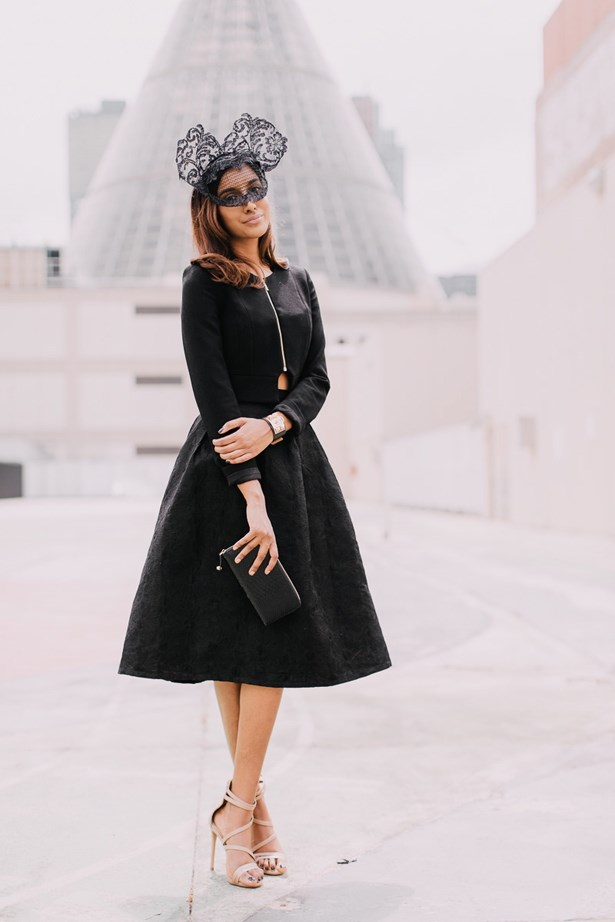 Vydia Rishie followed in Sara's footsteps with a black lace headpiece, this time featuring very trendy ears. Her bless flared dress was paired with nude heels.