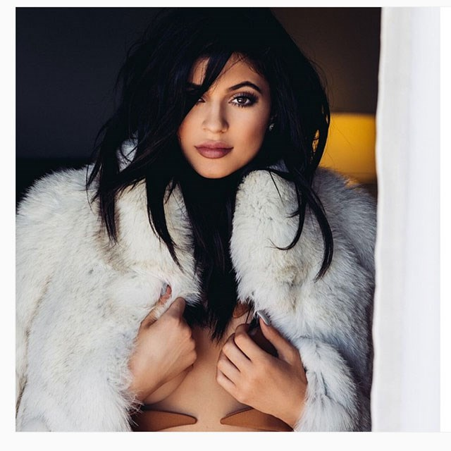 <p><strong>Her personal style</strong></p> <p>There are countless blogs decidated to recreating Kylie's style, from showing you where she purchased it to generally mood boarding her style. People are truly ga-ga over anything she does.</p>