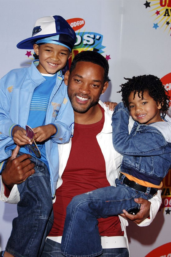 <strong>Nickelodeon's 19th Annual Kids' Choice Awards, 2006</strong> <BR> <BR> Willow rocks double denim AND flares, which are both back in. P.S. Jaden and Willow are adorable.
