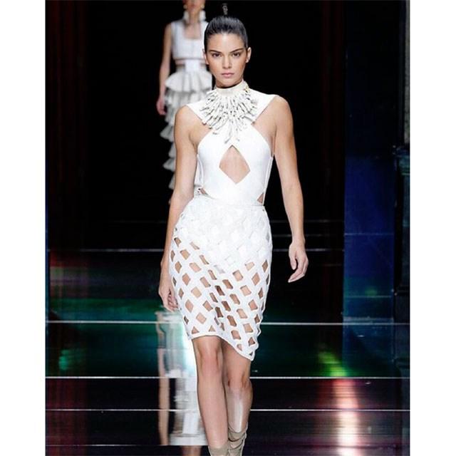 <p>Kendall Jenner takes the runway</p> <p>@kendalljenner</p>