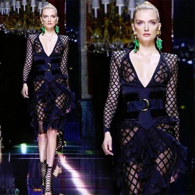 <p>British model Lily Donaldson takes the catwalk</p> <p>@lilymdonaldson</p>