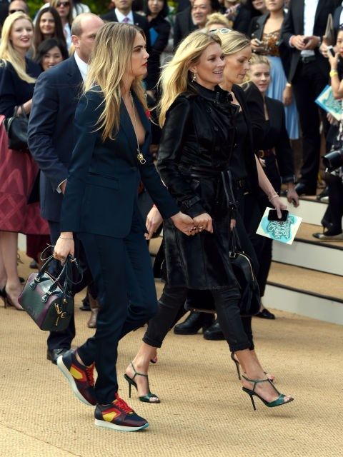 <strong>CARA DELEVINGNE AND KATE MOSS</strong>