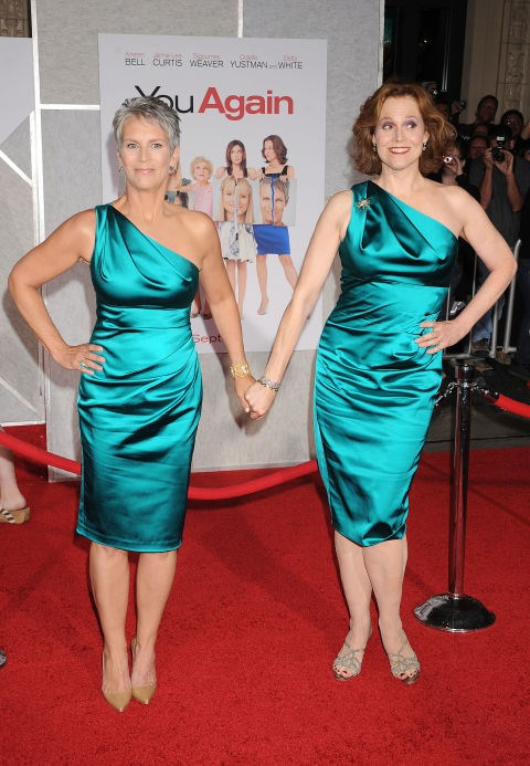 <strong>JAMIE LEE CURTIS AND SIGOURNEY WEAVER</strong>