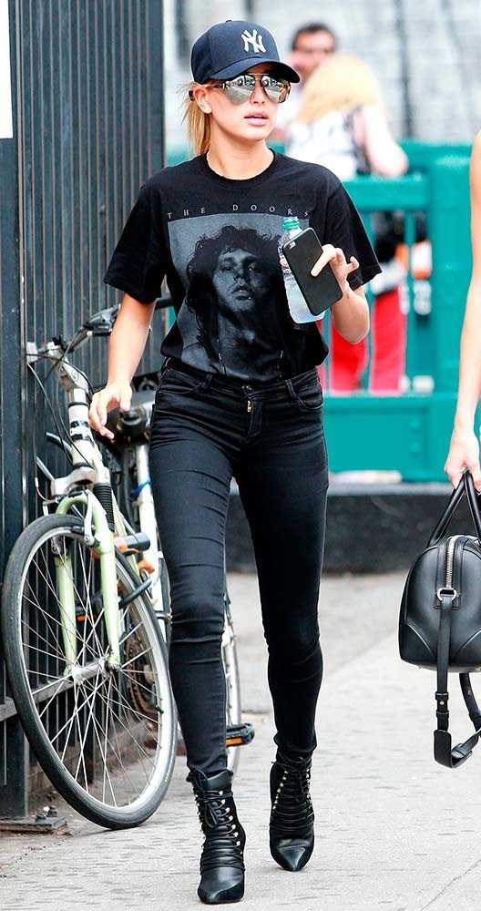 Hailey Baldwin adds edge to her off-duty look with a tribute to The Doors frontman, Jim Morrison.