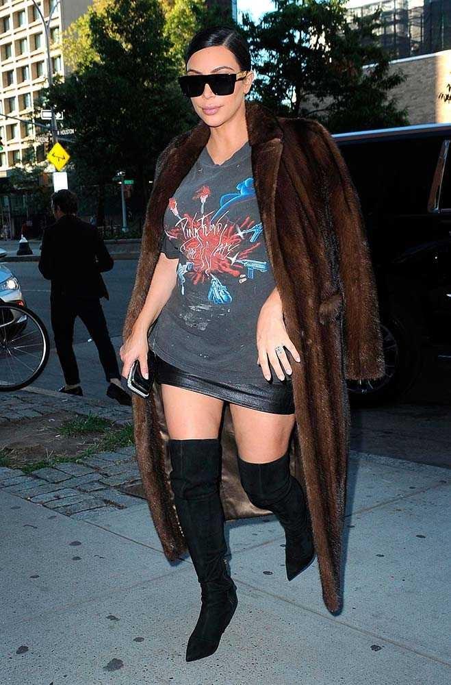 Looks like Kim Kardashian is a big Pink Floyd fan.