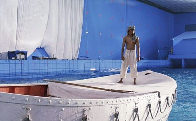 "<strong>Life Of Pi (2012)</strong> <br> <br> Suraj Sharma on set. <br> <br> Image: <a href=""http://www.businessinsider.com.au/movies-before-and-after-visual-effects-2014-2?op=1#visual-effects-crew-rhythm-and-hues-helped-make-oscar-winner-life-of-pi-go-from-this--1"">Business Insider</a>"