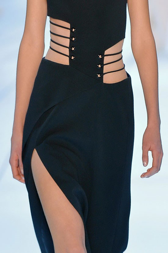 <strong>OBLIQUES</strong> <br> <br> Mugler